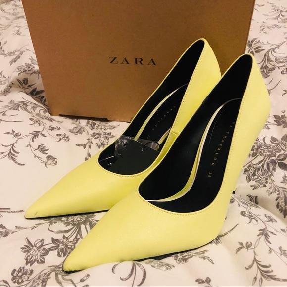 fda3b1efe0a5 ZARA yellow stiletto heel